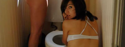 girlsbathroom2