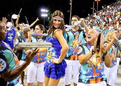 ritmo-carnaval-rainha-bateria