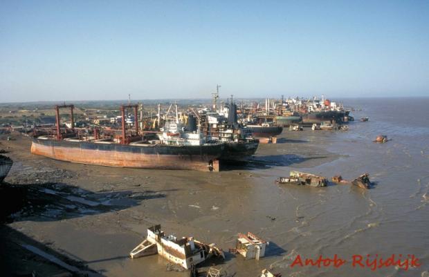 Alang, onde navios vão para morrer.