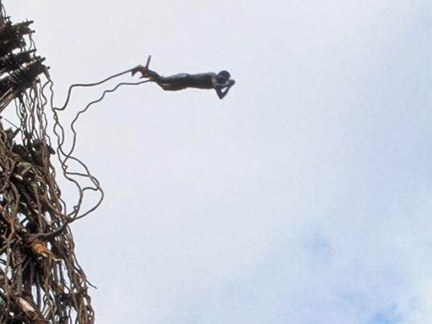 Land Diving: o bungee jumping mais roots do mundo!