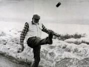 Hemingway_kicks_can
