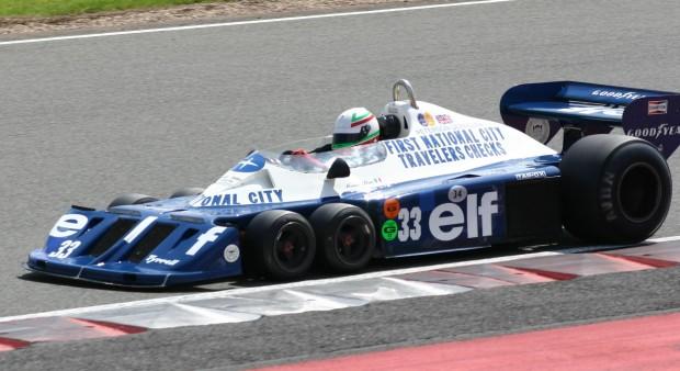 Tyrrell e seu emblemático carro de 6 rodas