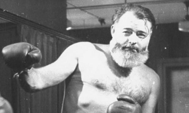 Hemingway é responsável por um dos relatos mais interessantes e, com certeza, o mais apaixonado pela literatura: