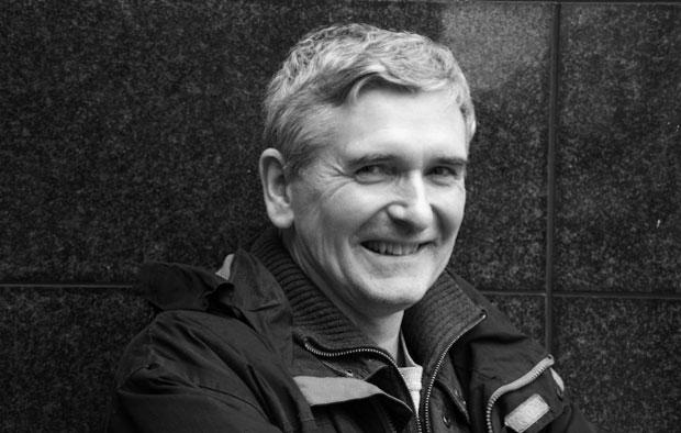 """""""Os pilares que sustentam o mundo são histórias, reais ou não"""" (Mike Carey por Joel Meadows, North Finchley, Londres, 29/01/14)"""