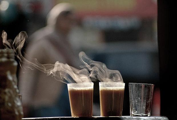 Sábado de manhã, um café com leite e as notícias