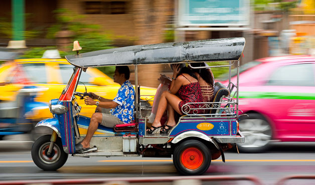 tumblr_static_110422_songkran_water_festival_fight_tuk-tuk_defenseless_img_9497